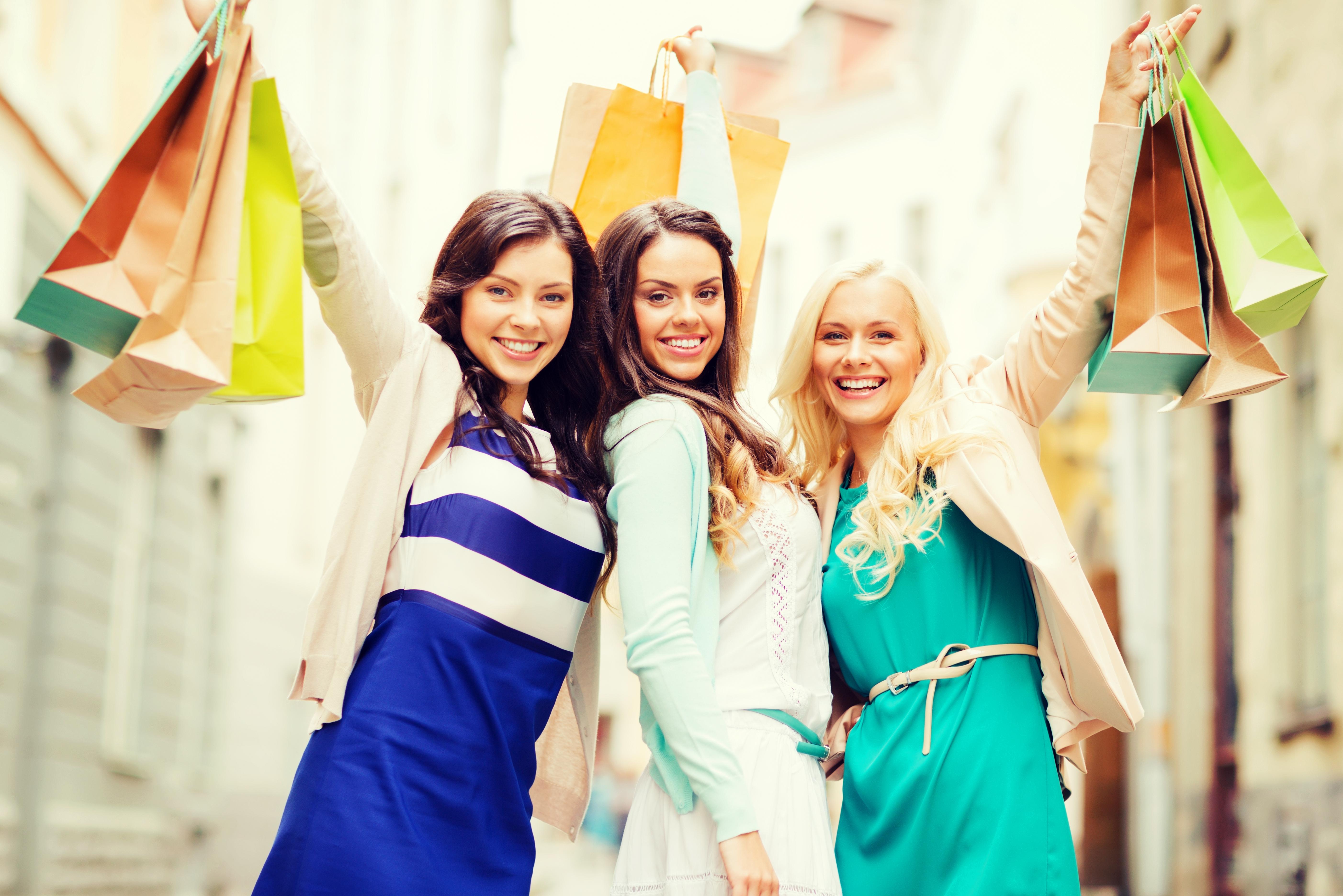 ragazze con shopper